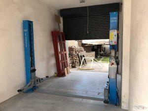 Podnośnik 242 G w małym garażu